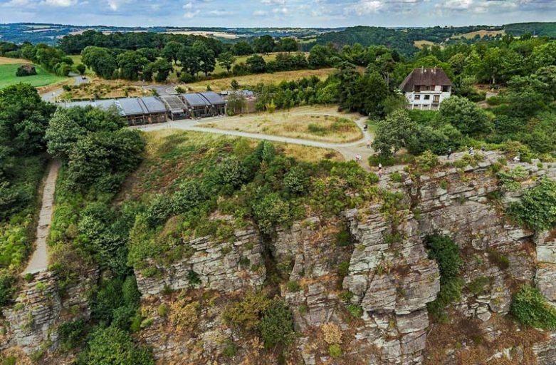 Site de la Roche d'Oëtre en Suisse Normande - St Philbert sur Orne - escarpement rocheux