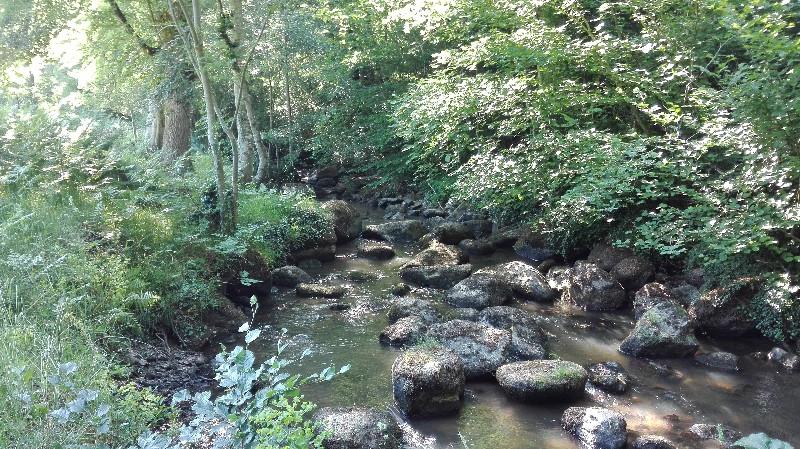 Rivière granitique Le Lembron