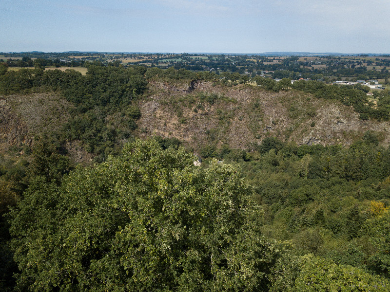 Vue sur la vallée du Noireau du Mont de Cerisy