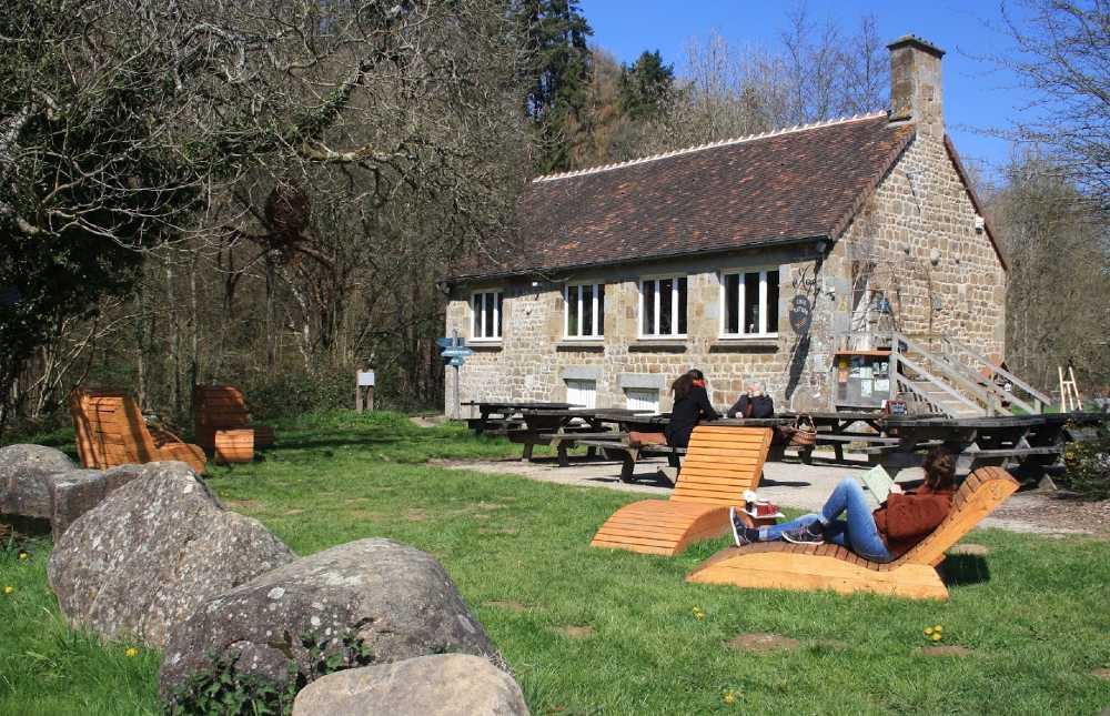 Maison du Paysage Tables de pique-nique chaises longues