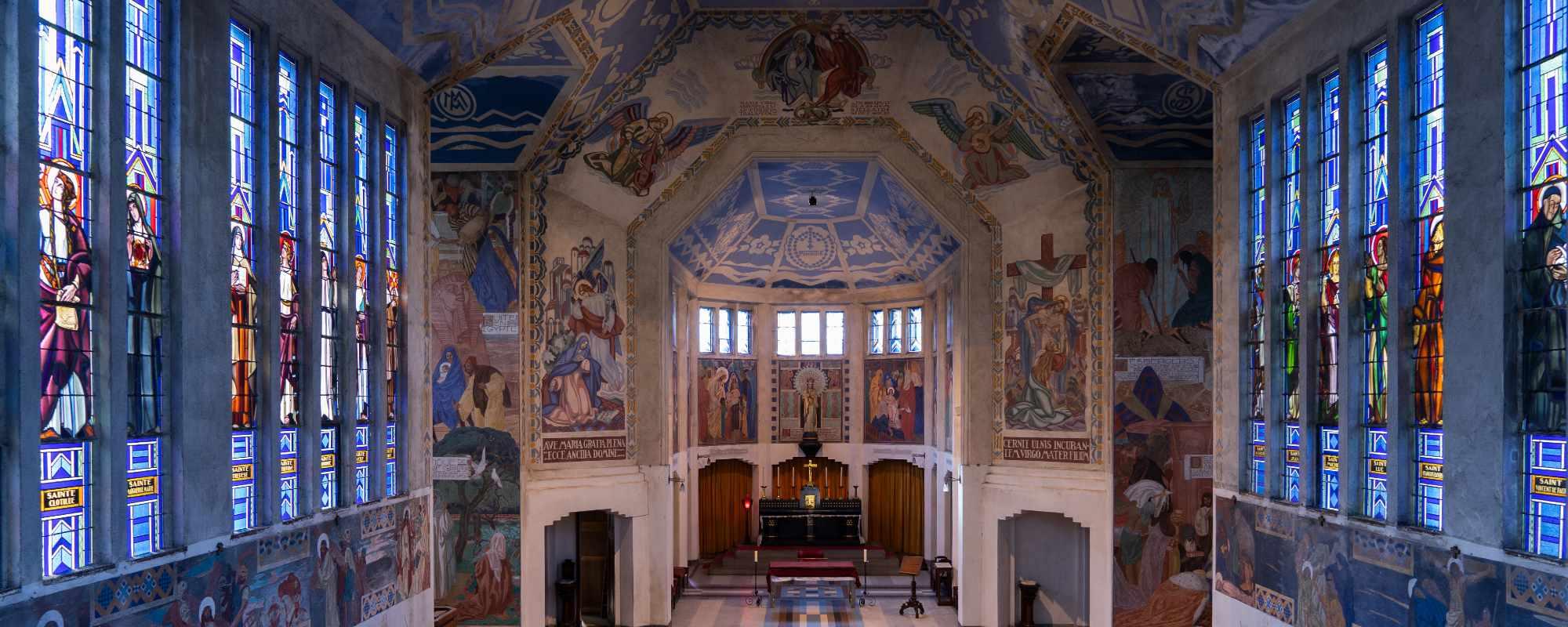 Intérieur de la chapelle du Souvenir à Flers
